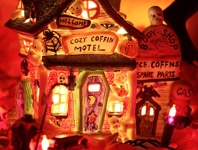 Cosy Coffin Motel